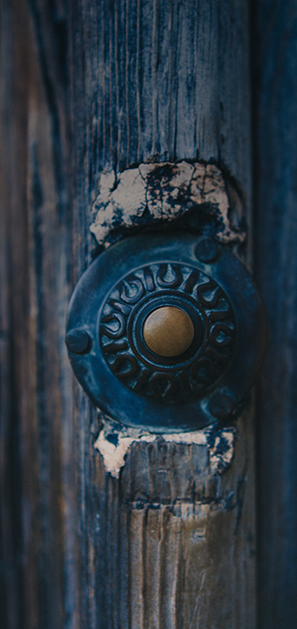Fotografia di un campanello, immagine rappresentativa per la pagina contatti